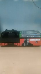 Xbox one mint condition with 3 games 1 controller